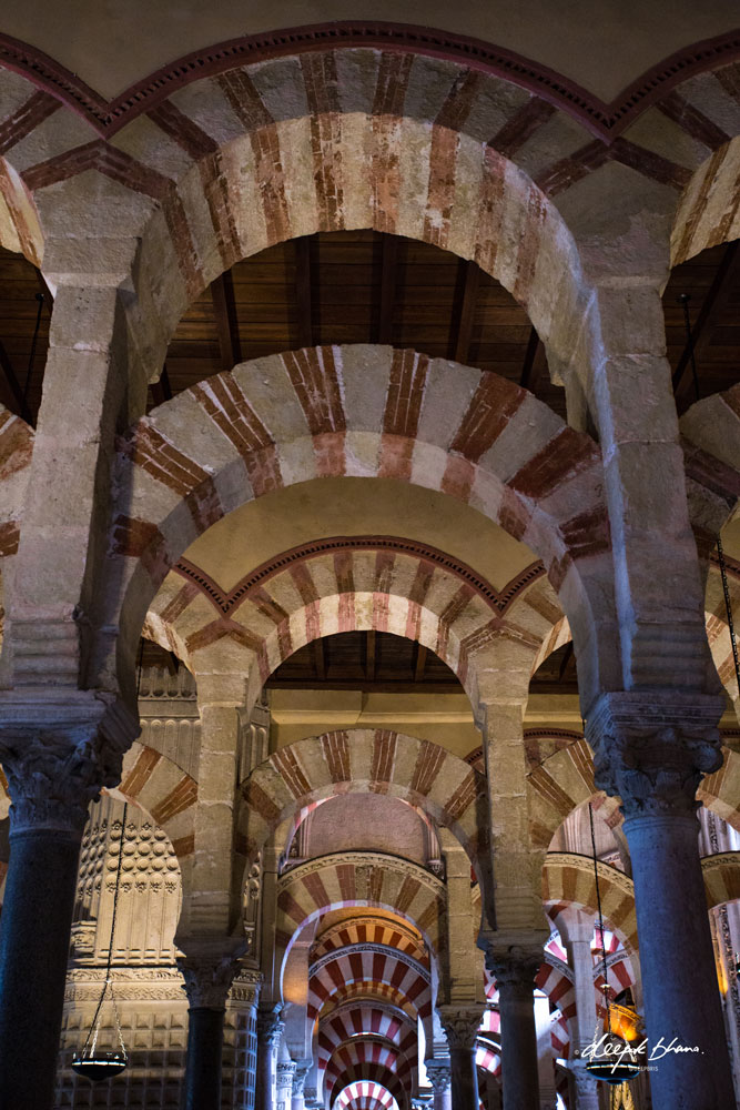 Cordoba-Spain-Mosque-Cathedral-Moorish-arches
