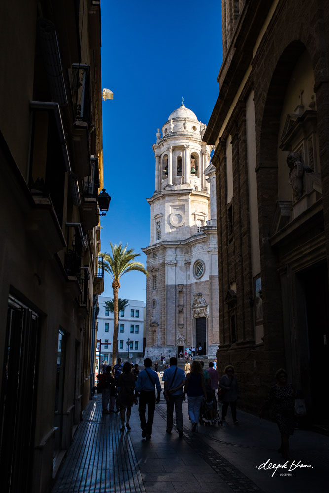 Cadiz-Spain-narrow-street-Cathedral-view.
