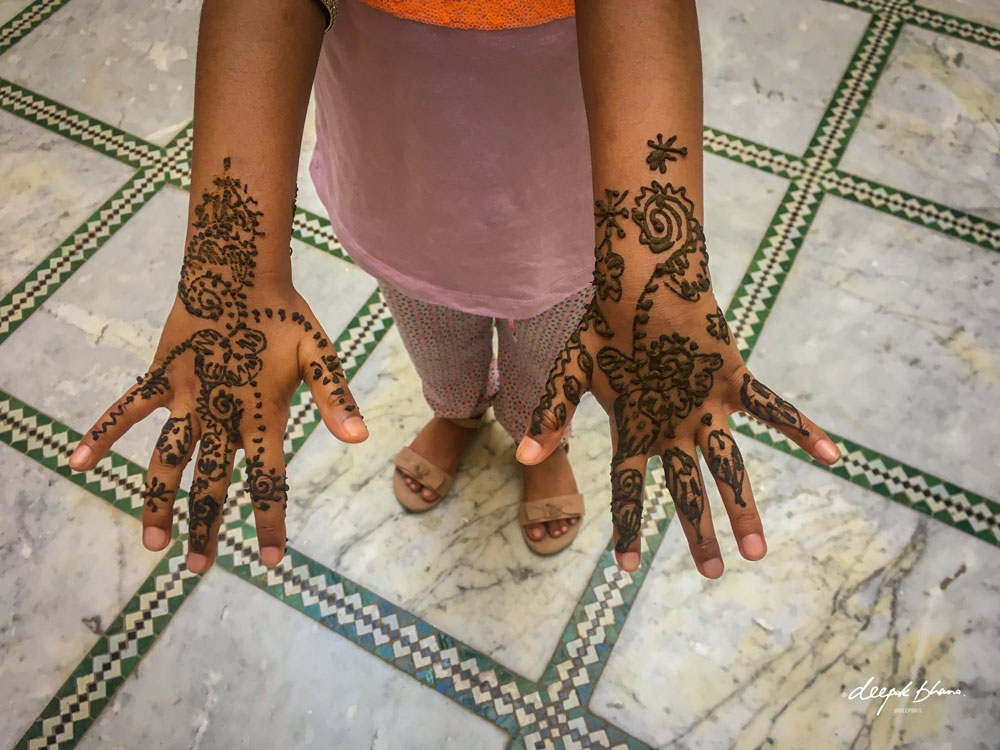 Todayfarer-family-Fes-Morocco with kids-henna-tattoo